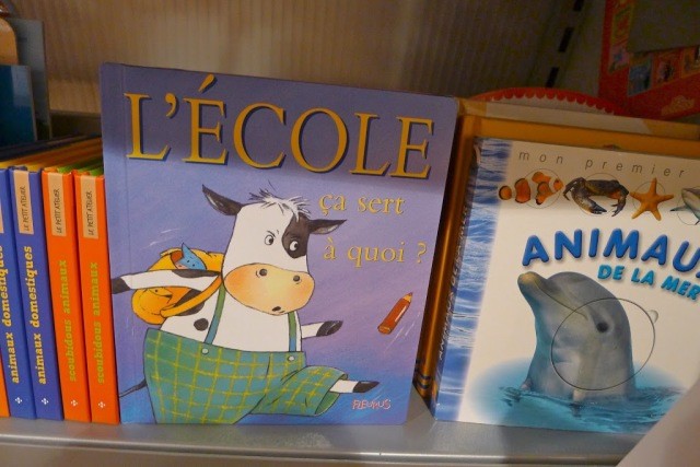 French school supplies Children's book on école maternelle